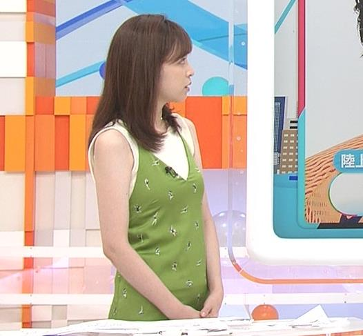 久慈暁子アナ ニットおっぱいをよりエロくする重ね着キャプ・エロ画像