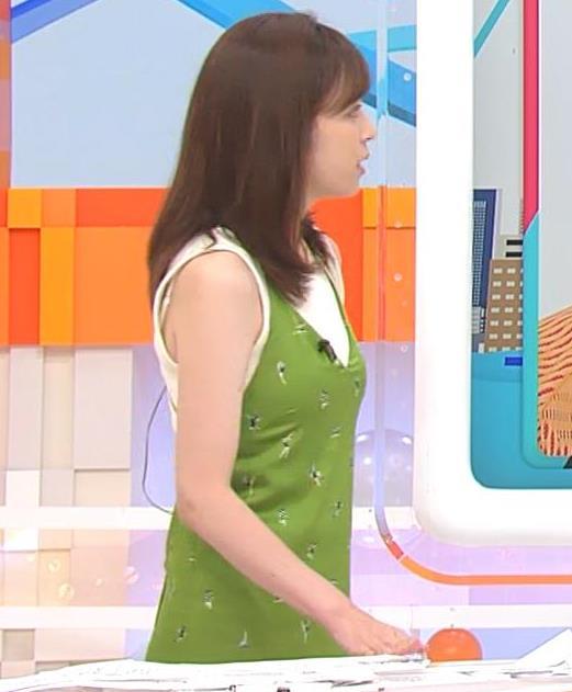 久慈暁子アナ ニットおっぱいをよりエロくする重ね着キャプ・エロ画像7