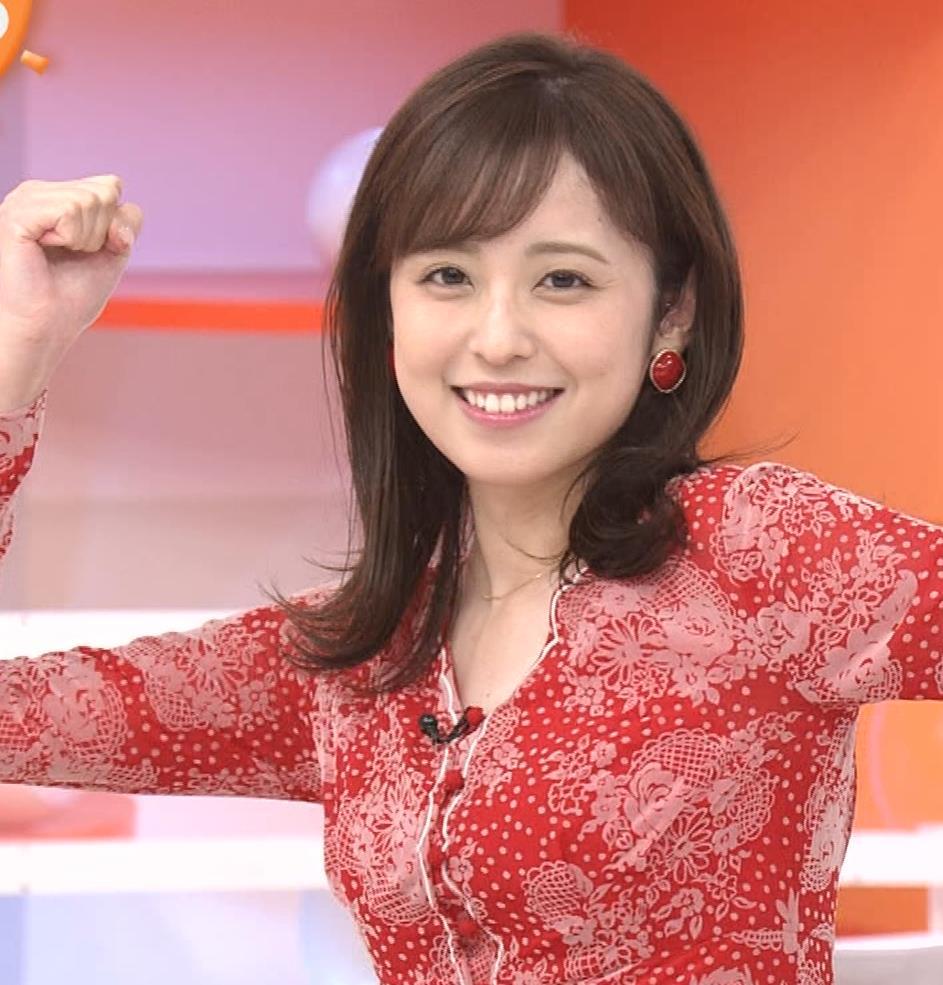 久慈暁子アナ 胸のふくらみがエロいタイトなワンピースキャプ・エロ画像11