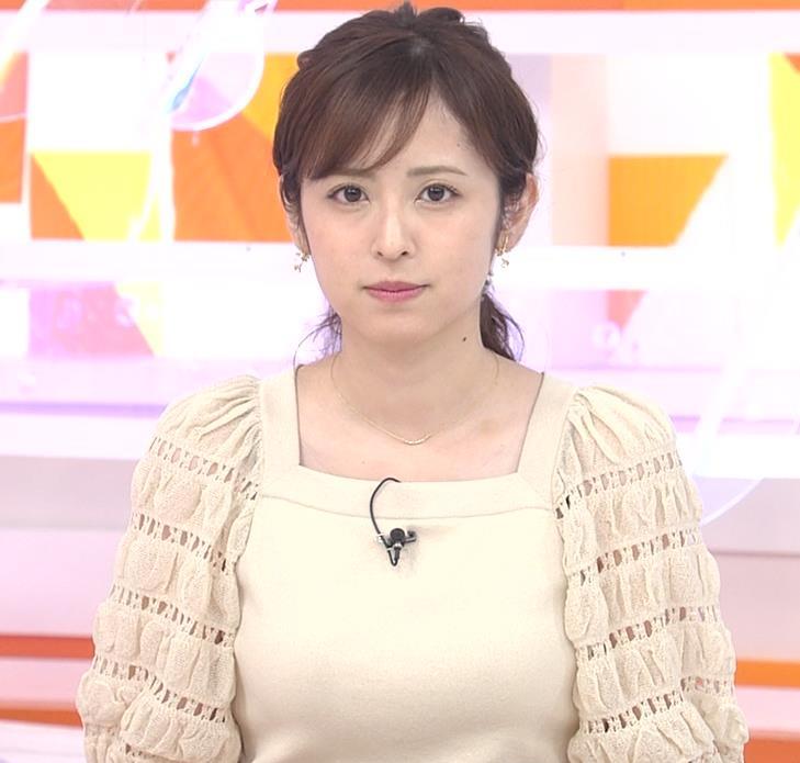 久慈暁子アナ 横乳キャプ・エロ画像