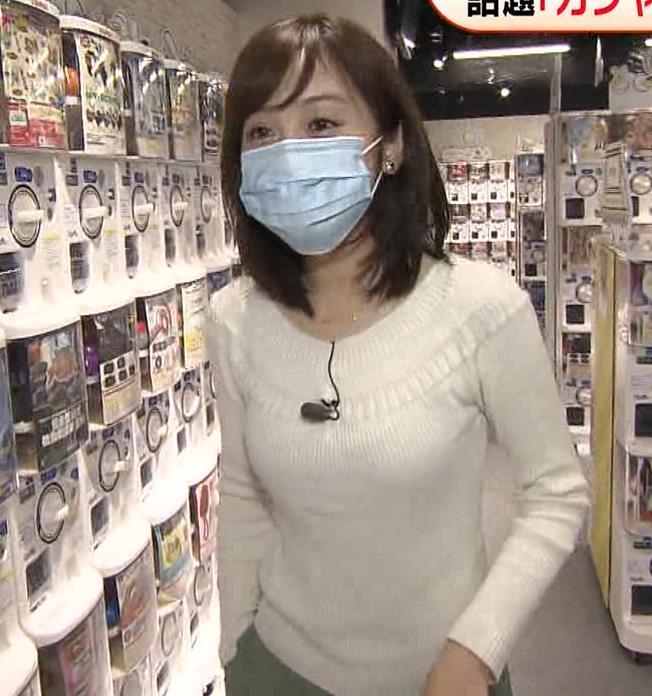 久慈暁子アナ 大きくないけどエロいニット横乳キャプ・エロ画像19