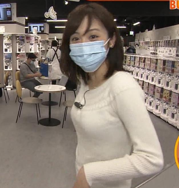 久慈暁子アナ 大きくないけどエロいニット横乳キャプ・エロ画像3