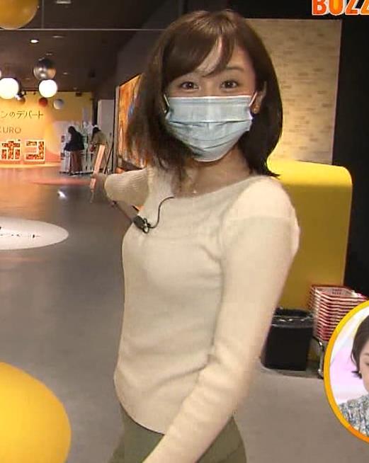 久慈暁子アナ 大きくないけどエロいニット横乳キャプ・エロ画像4