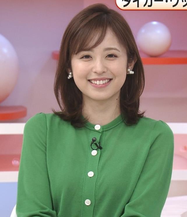 久慈暁子アナ 朝から横乳がエロい放送キャプ・エロ画像14