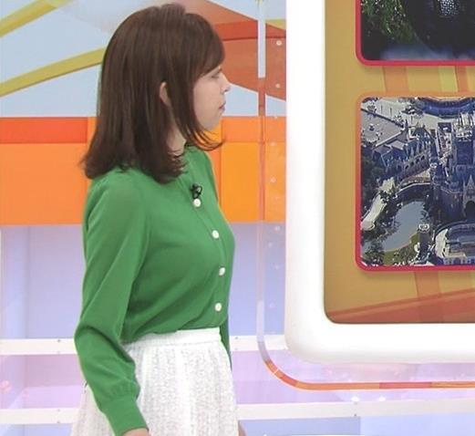 久慈暁子アナ 朝から横乳がエロい放送キャプ・エロ画像9