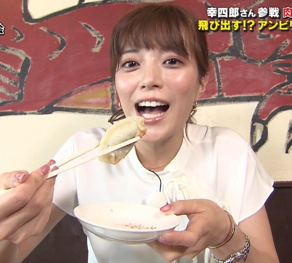 三谷紬アナ 疑似フェラで汁が飛び出るハプニングキャプ・エロ画像4