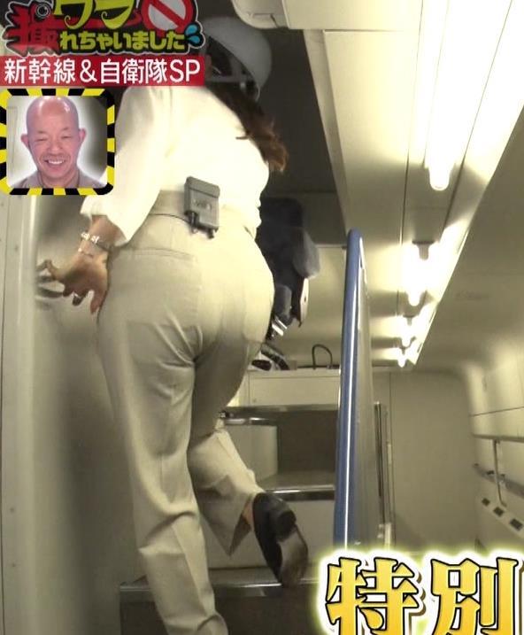 三谷紬アナ 大きいお尻とぴっちり太ももキャプ・エロ画像4