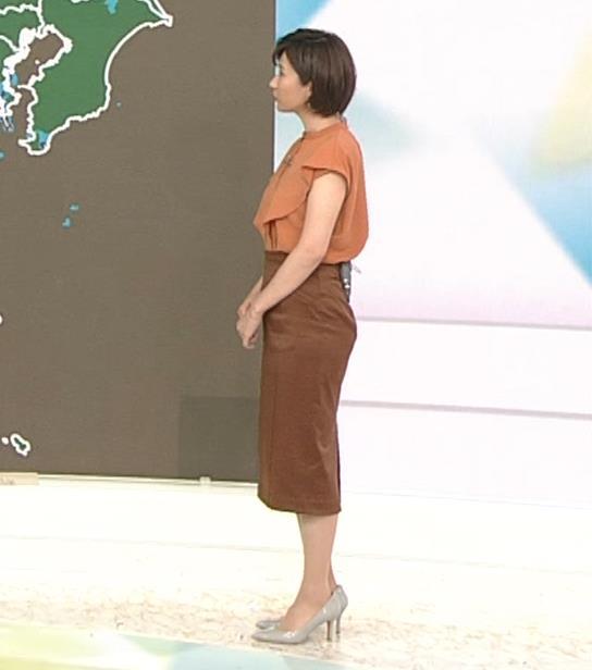 森下絵理香アナ タイトスカート姿キャプ・エロ画像
