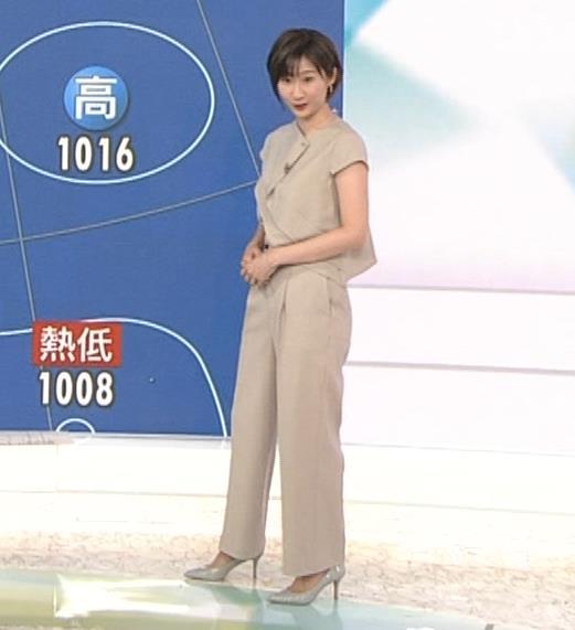 森下絵理香アナ タイトスカート姿キャプ・エロ画像6