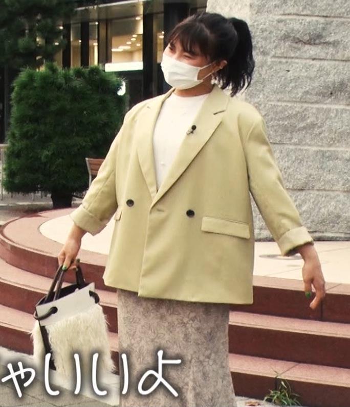 村上佳菜子 ピチピチのノースリーブが結構セクシーキャプ・エロ画像5