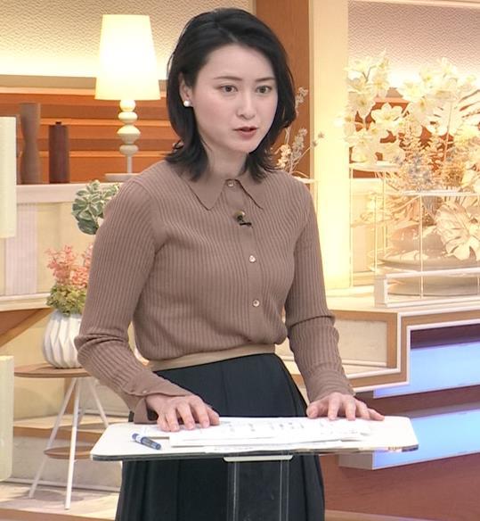 小川彩佳 ニットおっぱいキャプ・エロ画像3