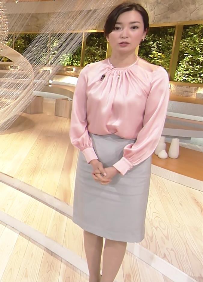 大江麻理子アナ スカート美脚キャプ・エロ画像5