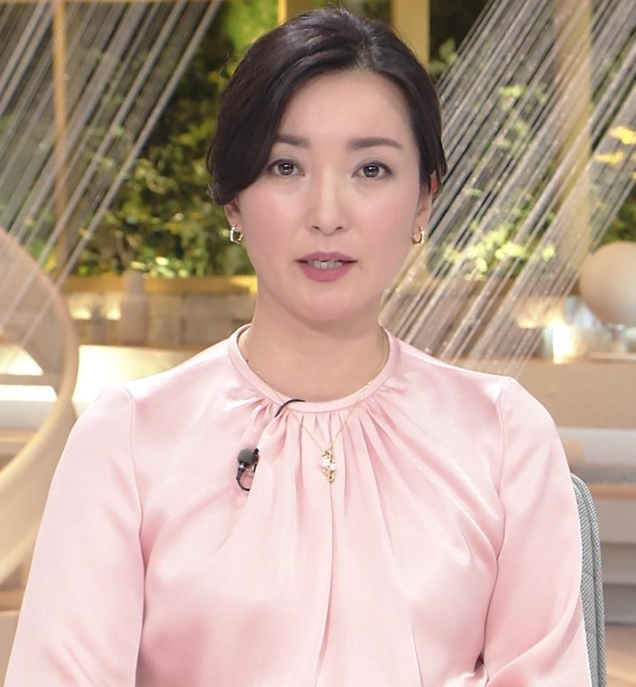 大江麻理子アナ スカート美脚キャプ・エロ画像6