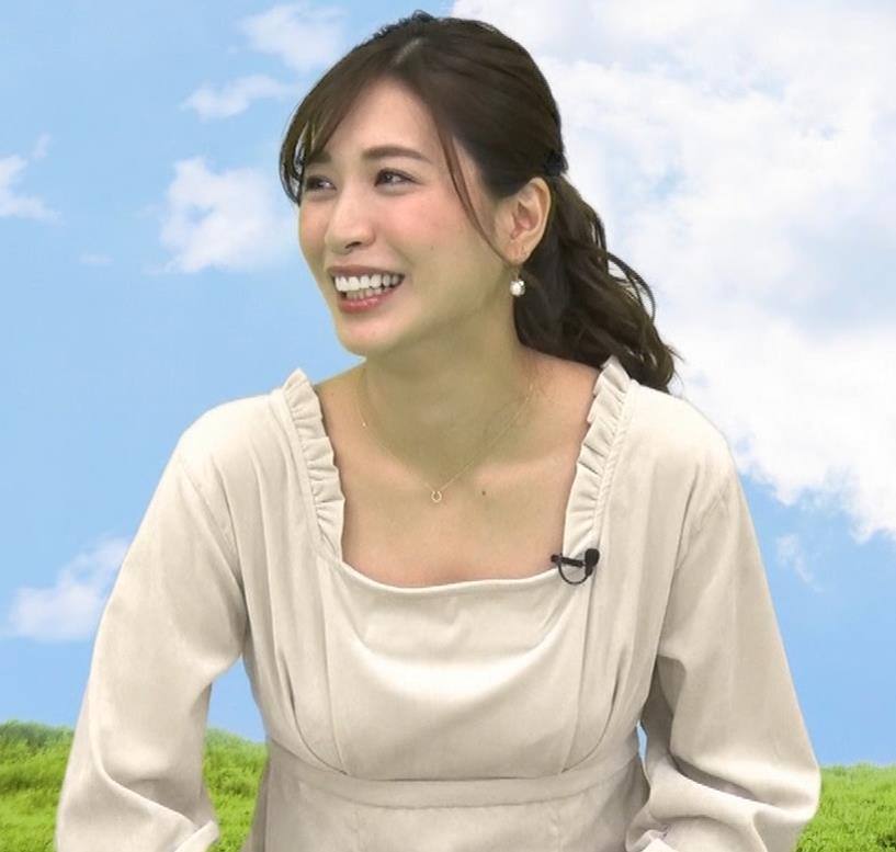 大島麻衣 胸元チラチラキャプ・エロ画像6