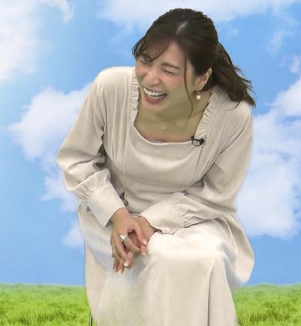 大島麻衣 胸元チラチラキャプ・エロ画像9