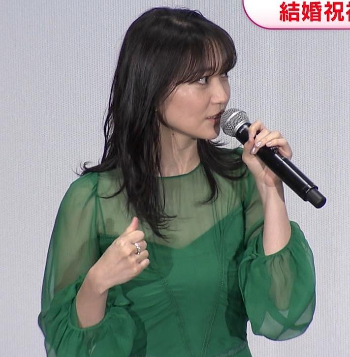 大島優子 乳がエロい衣装キャプ・エロ画像3