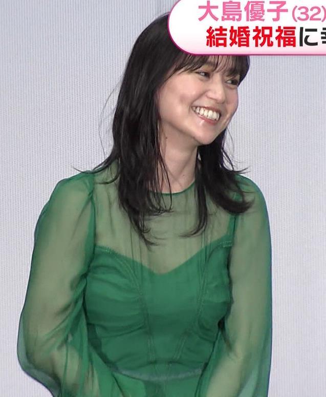 大島優子 乳がエロい衣装キャプ・エロ画像4