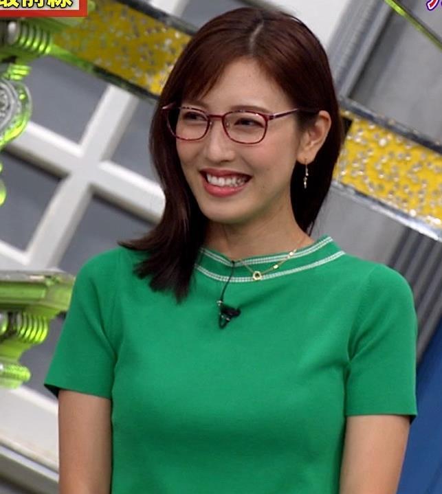 小澤陽子アナ デカい横乳キャプ・エロ画像3
