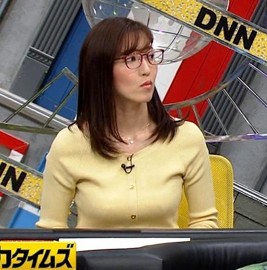 小澤陽子アナ 緩い服でも巨乳が目立ってしまうキャプ・エロ画像5