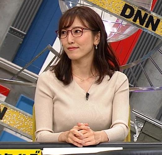 小澤陽子アナ 巨乳ニットの横乳が凄いことに…キャプ・エロ画像2