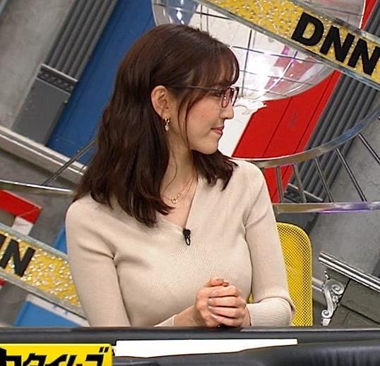 小澤陽子アナ 巨乳ニットの横乳が凄いことに…キャプ・エロ画像3