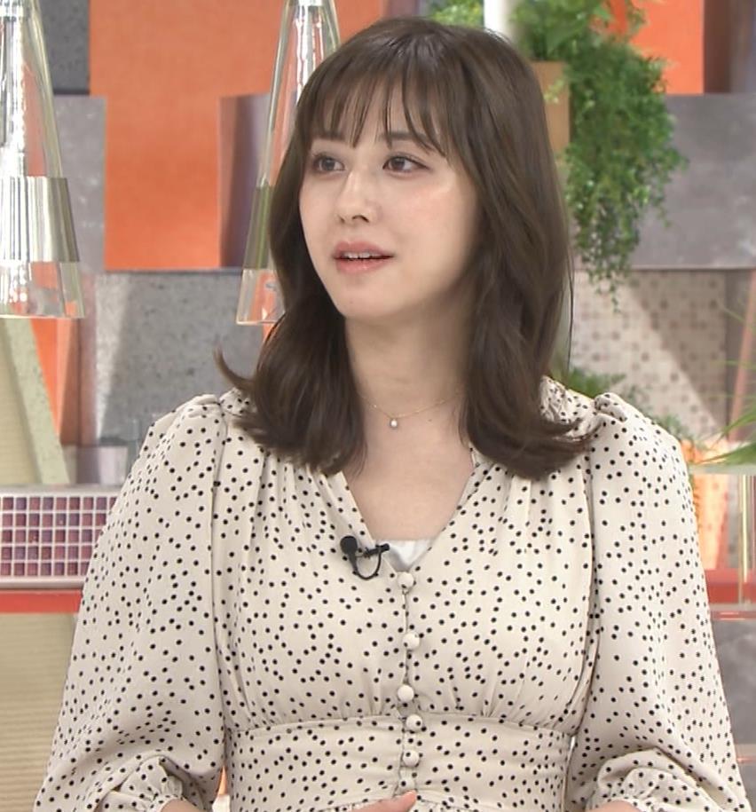 斎藤ちはるアナ コロナから復帰して胸元チラキャプ・エロ画像4