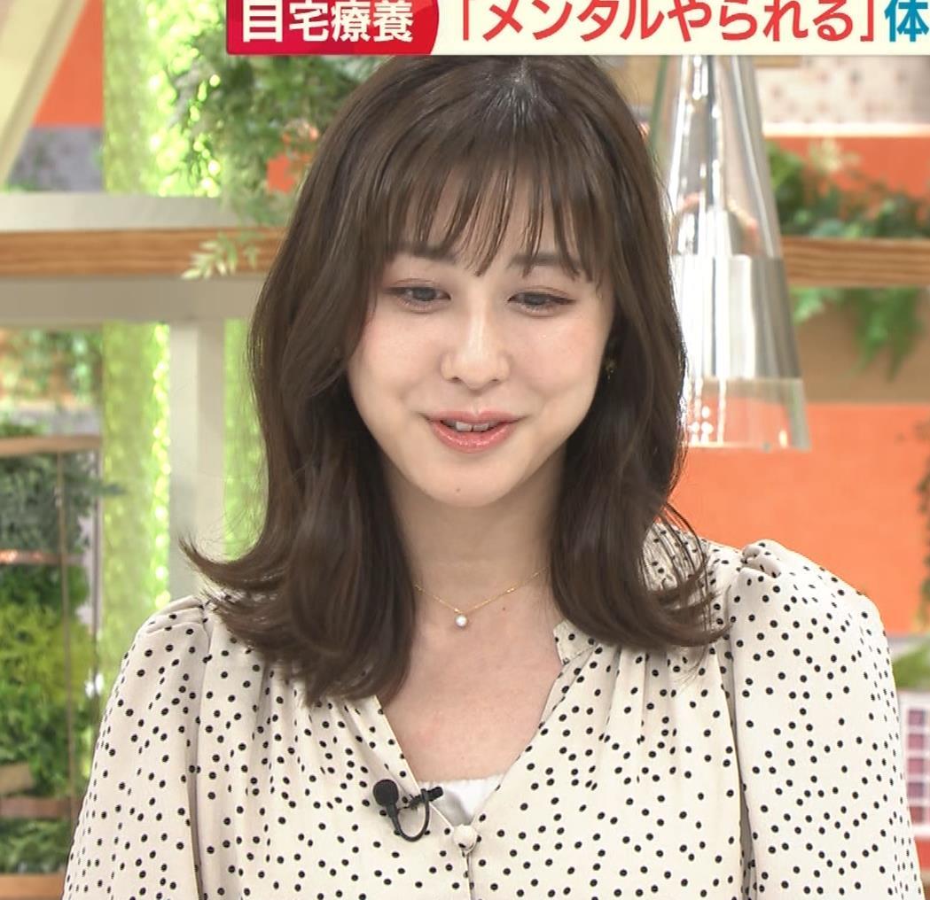 斎藤ちはるアナ コロナから復帰して胸元チラキャプ・エロ画像8