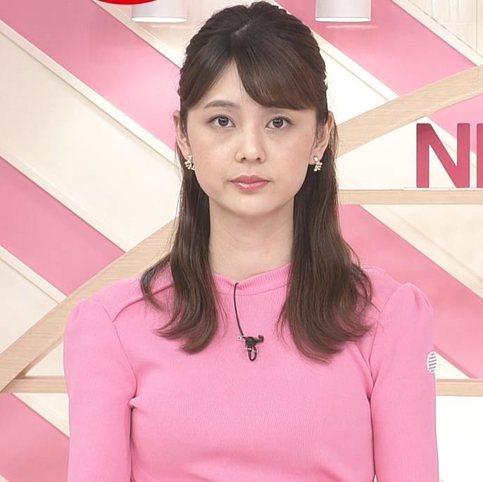 佐藤梨那アナ ピンクニットキャプ・エロ画像6