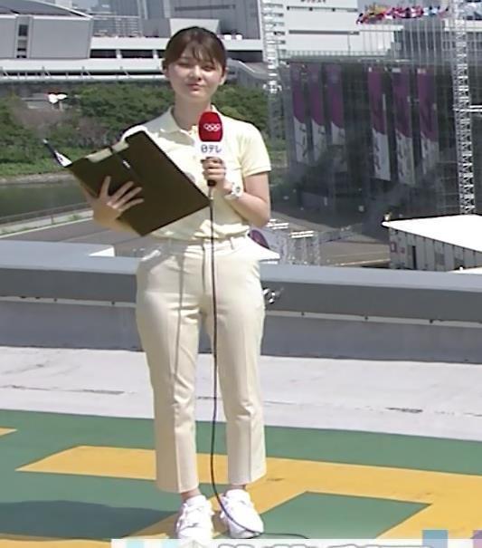 佐藤梨那アナ ポロシャツおっぱい、ピチピチなパンツスタイルキャプ・エロ画像4