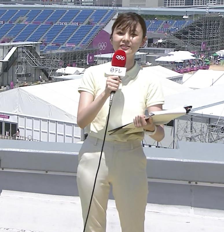 佐藤梨那アナ ポロシャツおっぱい、ピチピチなパンツスタイルキャプ・エロ画像6