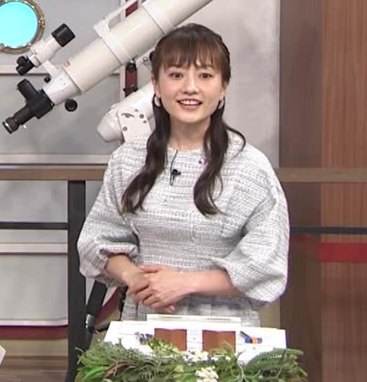 島本真衣アナ 横乳キャプ・エロ画像9