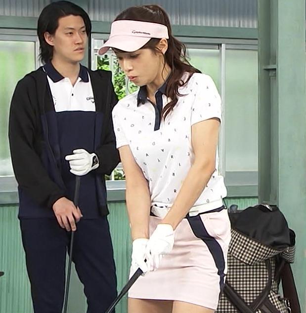 鷲見玲奈 エロいゴルフウェアでエロいコントキャプ・エロ画像4