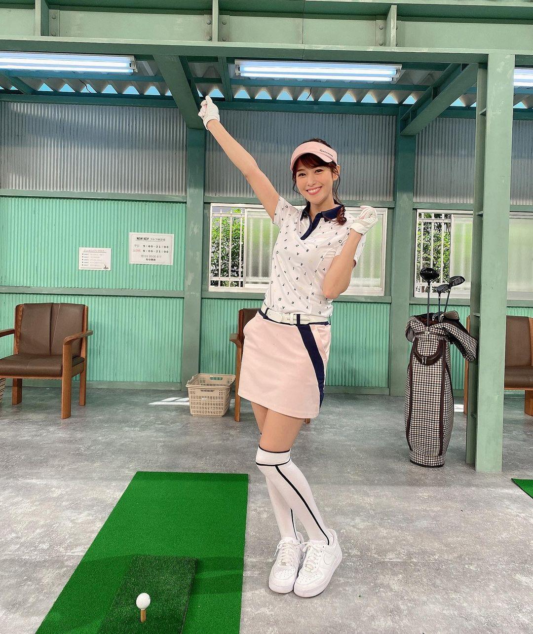 鷲見玲奈 エロいゴルフウェアでエロいコントキャプ・エロ画像9