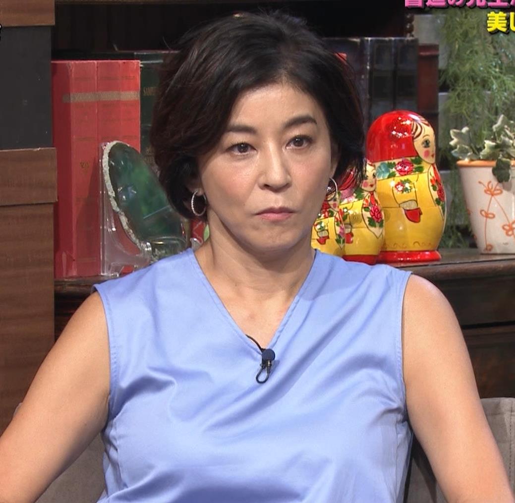高嶋ちさ子 熟女ノースリーブキャプ・エロ画像7