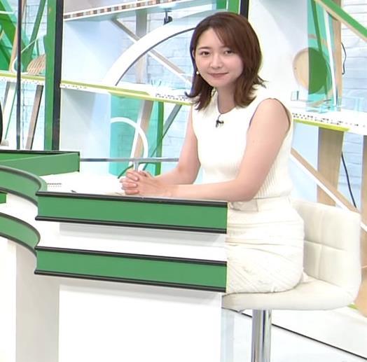 竹﨑由佳アナ ちょっとむっちりなノースリーブのニットキャプ・エロ画像3