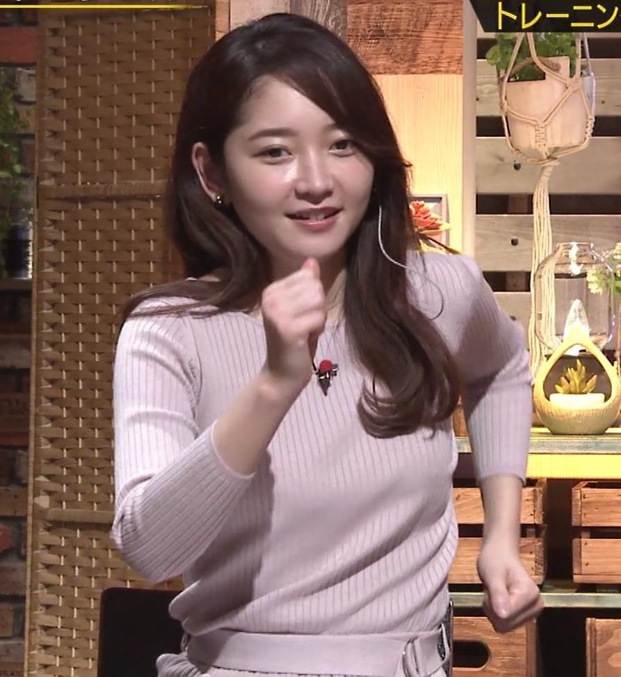 竹﨑由佳アナ ニットおっぱいキャプ・エロ画像8