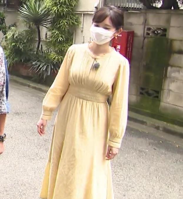 田中瞳アナ ワンピースの横乳キャプ・エロ画像3