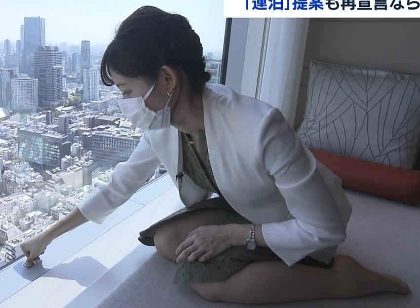 田中瞳アナ スカートから太もも露出!キャプ・エロ画像