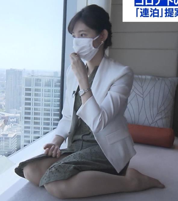 田中瞳アナ スカートから太もも露出!キャプ・エロ画像4