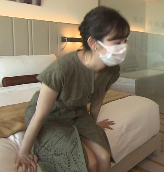 田中瞳アナ スカートから太もも露出!キャプ・エロ画像6