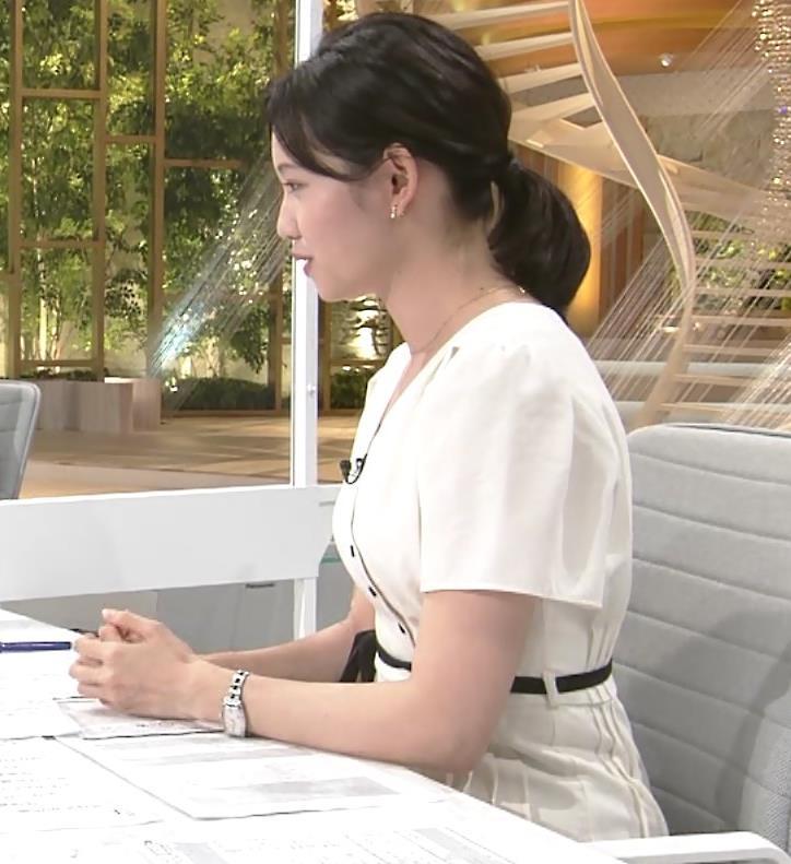 田中瞳アナ お乳を真横からキャプ・エロ画像3