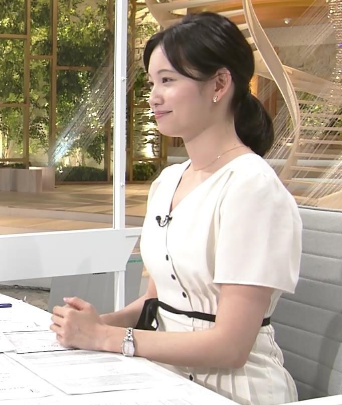 田中瞳アナ お乳を真横からキャプ・エロ画像4