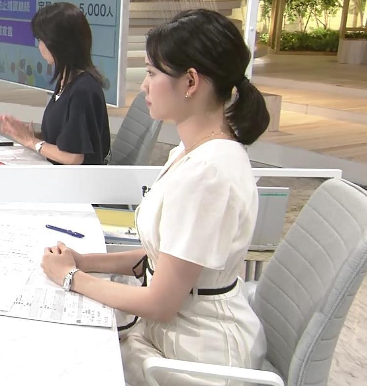 田中瞳アナ お乳を真横からキャプ・エロ画像6