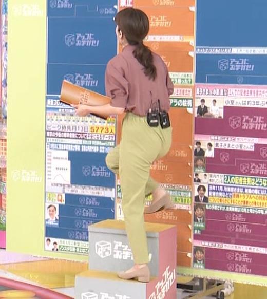 宇内梨沙アナ パンツスタイルのお尻キャプ・エロ画像2
