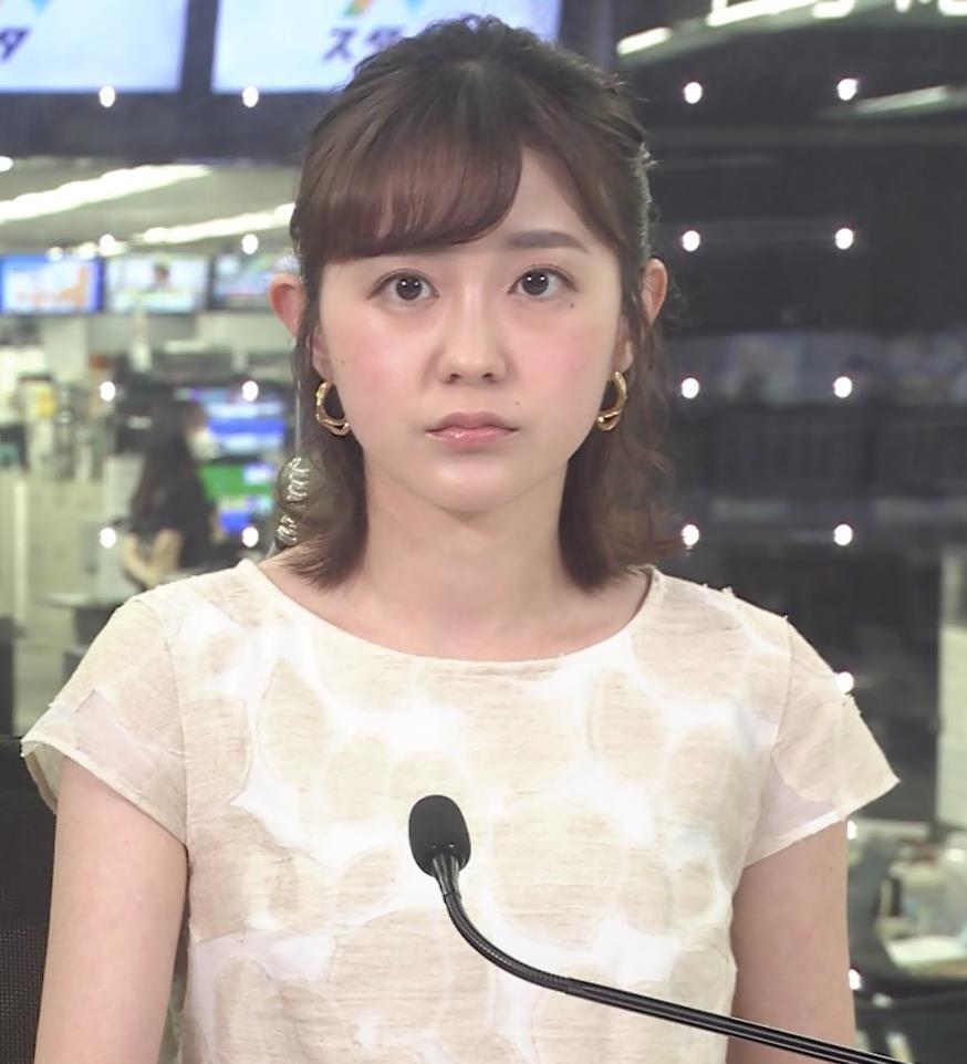 若林有子アナ ワキからインナーちらりキャプ・エロ画像