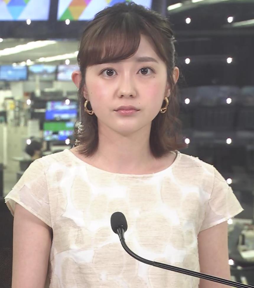 若林有子アナ ワキからインナーちらりキャプ・エロ画像2