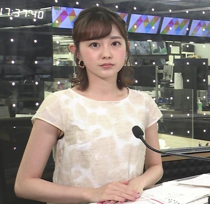 若林有子アナ ワキからインナーちらりキャプ・エロ画像5
