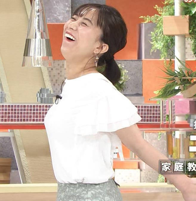 山本雪乃アナ ストレッチで横乳強調!!キャプ・エロ画像2