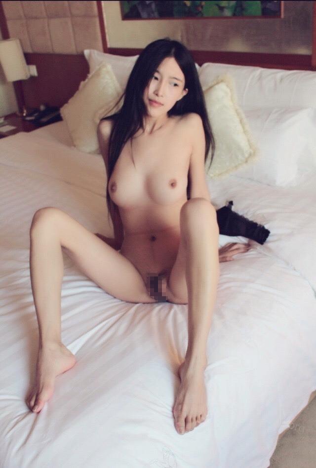 黒髪美女モデルのおま○こくぱぁヌード画像 3