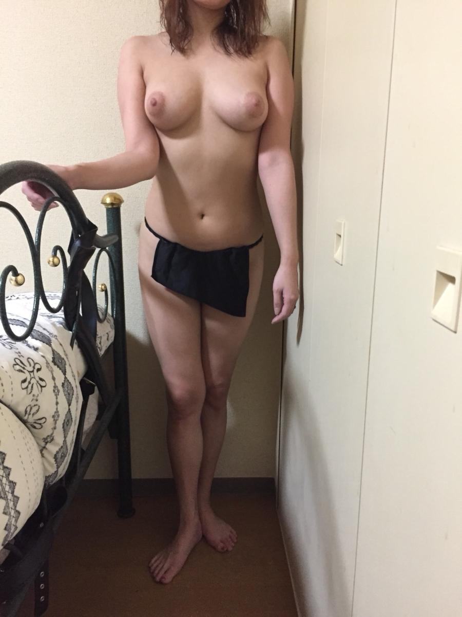巨乳お姉様の自分撮り変態ヌード画像 2